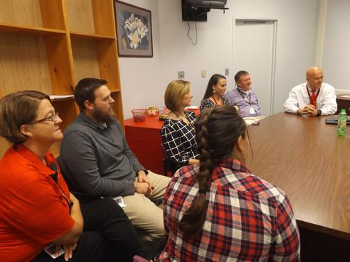Ailshie Hosts a Meeting with KCS Teachers